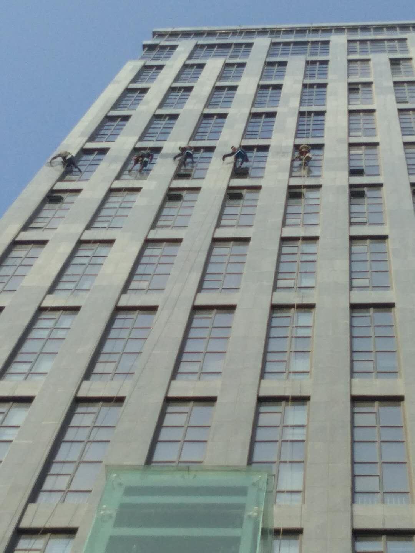 亚星盛世大厦外立面清洁-思康保洁公司