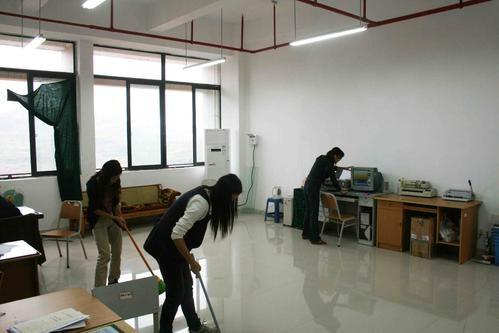 复合木地板怎么清洁,清洁复合木地板的注意事项